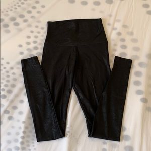Onzie black snakeskin leggings